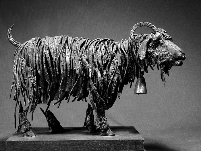 Steampunk Animal Sculptures Made Of Scrap Metal