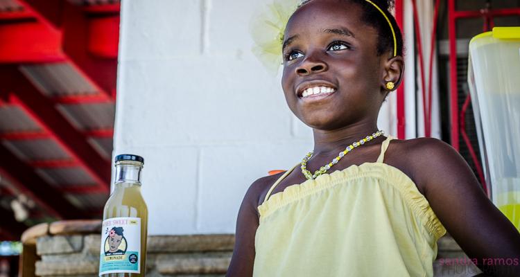 11Million Lemonade Deal Girl