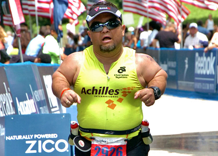 Marathon runner blazes a path for his son and others with dwarfism