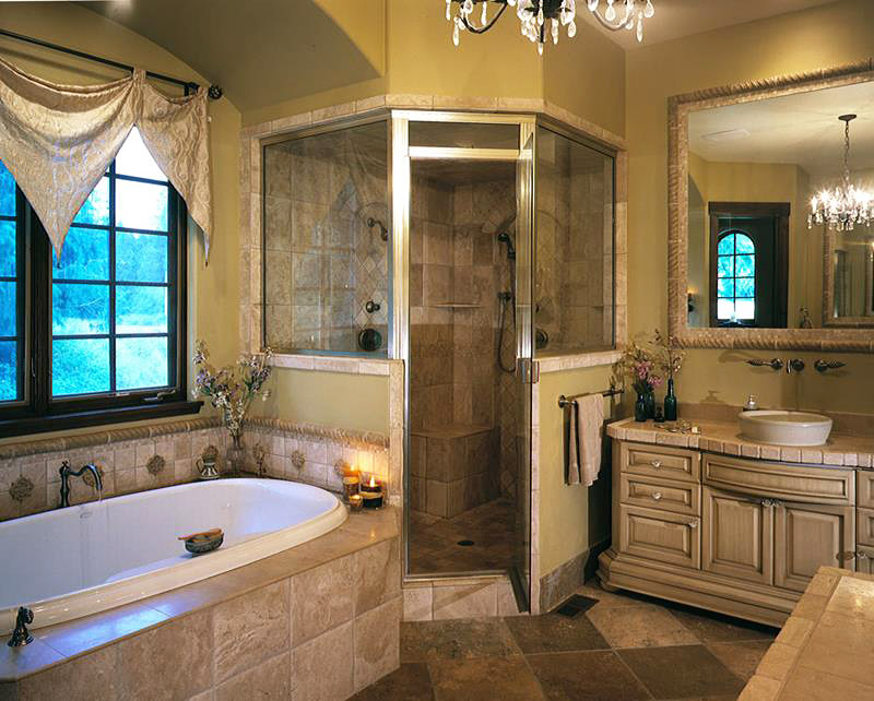 12 amazing master bathrooms designs quiet corner for Master bathroom layouts designs