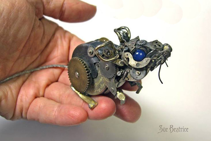 Old Watch Parts Recycled Into Steampunk Sculptures