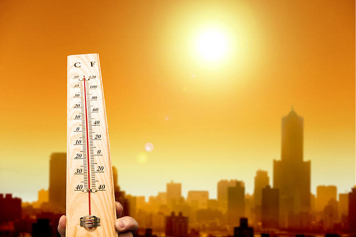 Record-breaking heat scorches Southwest