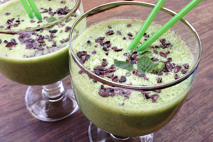 Raspberry and Mint Green Smoothie