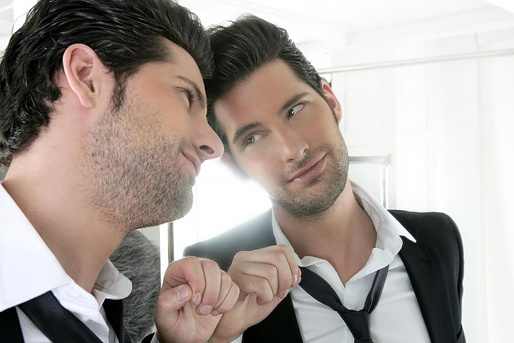 Narcissistic Friend - How to Spot a Narcissist