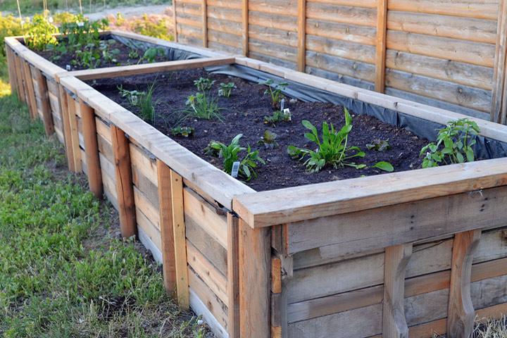 DIY Gardening Ideas - 4 Easy to Make Garden Raised Beds