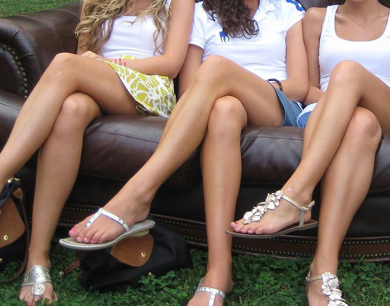 Why You Should Never Cross Your Legs