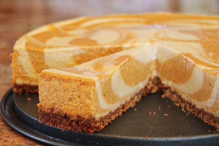 Pumpkin Pie Cheesecake Bars with White Chocolate Vanilla Swirl
