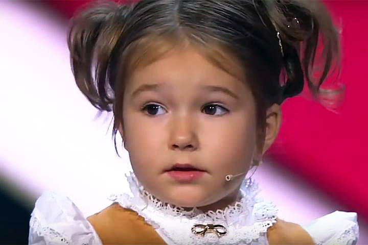 Bella Devyatkina, 4 Years Old Girl Speaks 7 Languages!