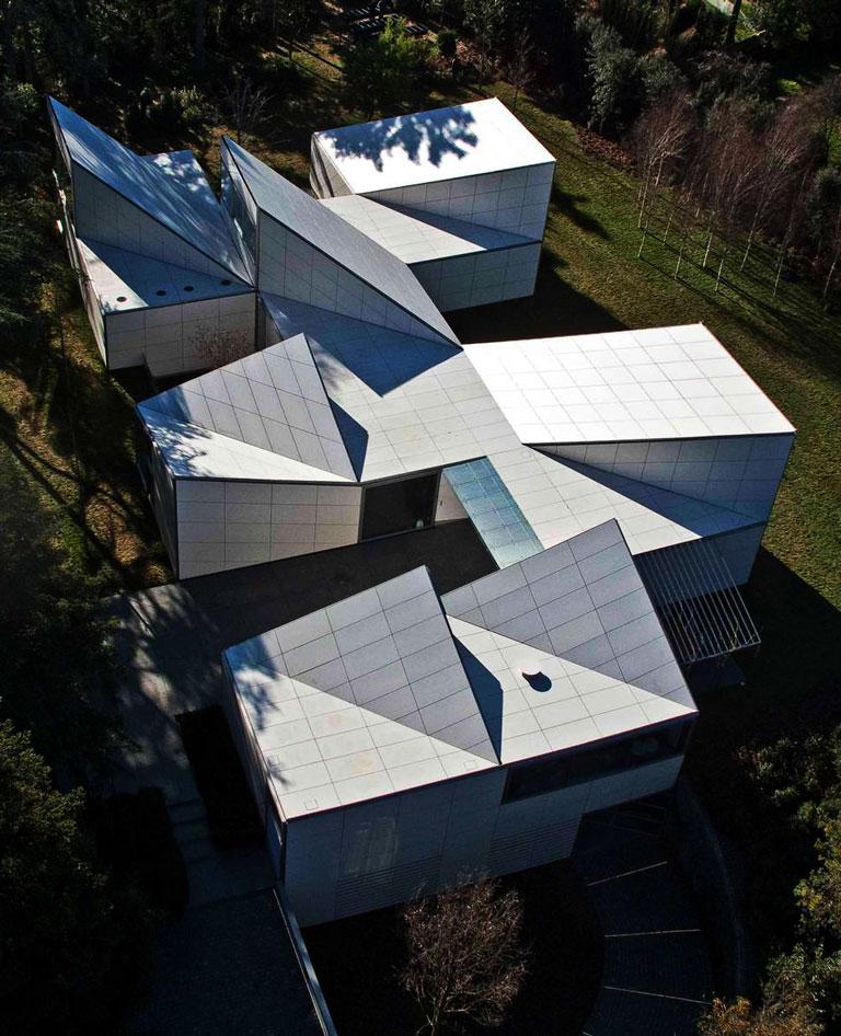 Origami House – OAB Carlos Ferrater